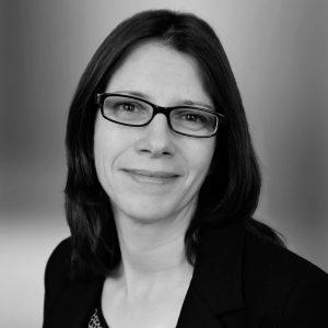 Dr. Silke Neusser